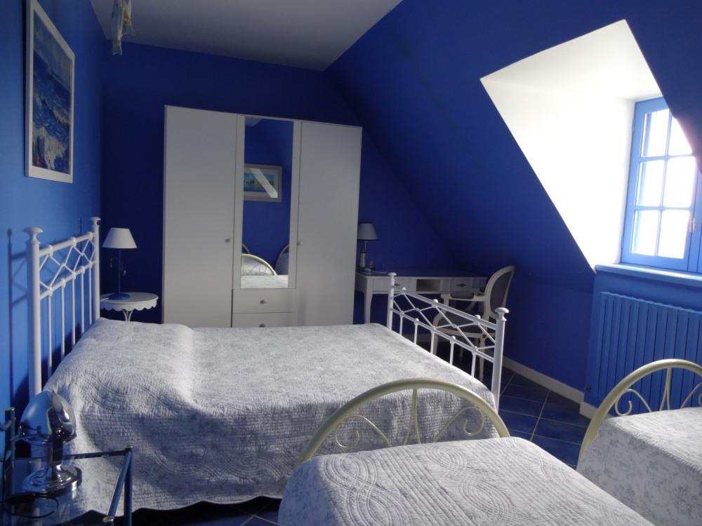 chambre étage lit de 140,  2 lits de 0,90