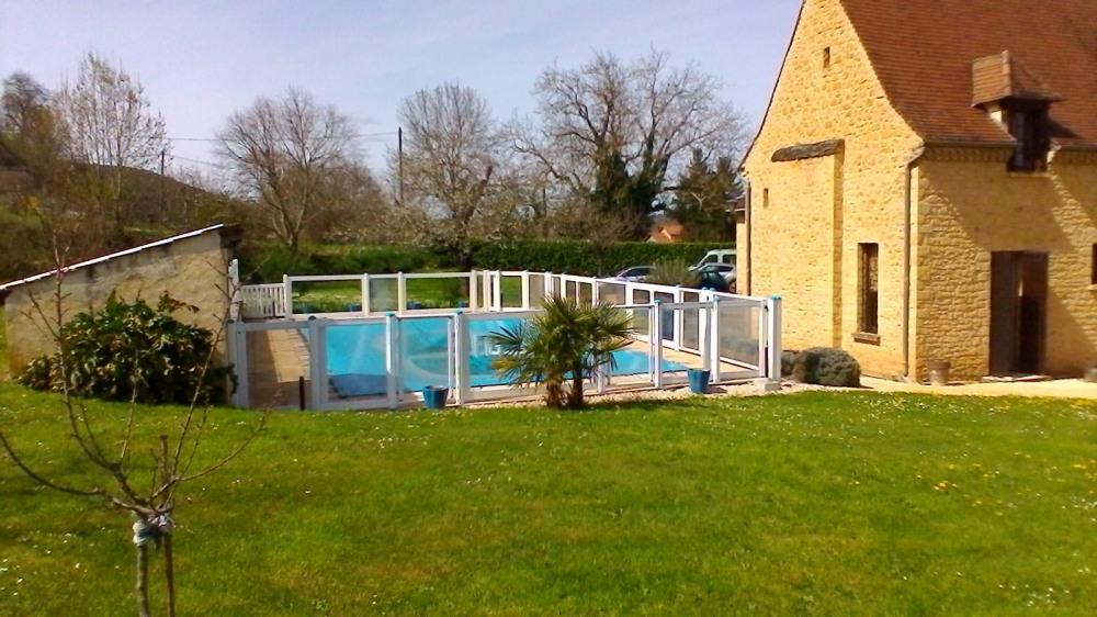 Gite  pour 4 personne(s) avec piscine proche de sarlat