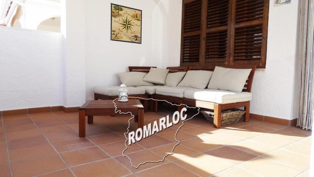Terrasse avant, couverte et meublée