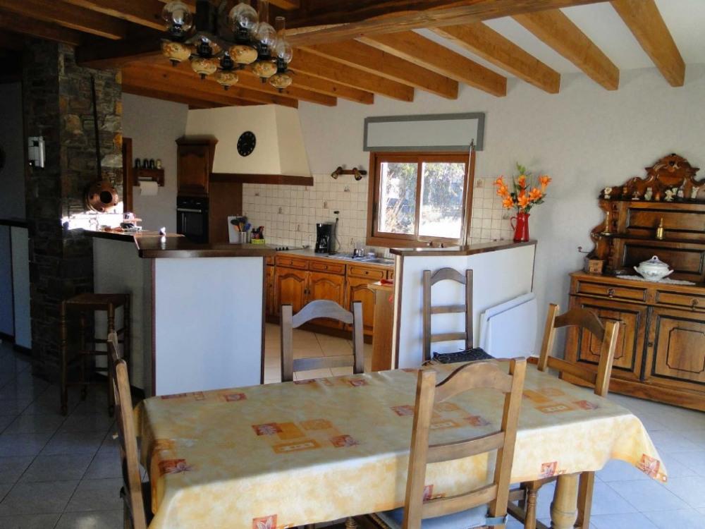 salle à manger, cuisine ouverte