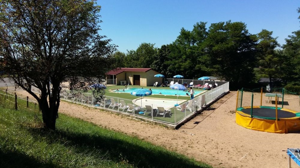 Camping le Grand Cerf, 34 emplacements, 19 locatifs