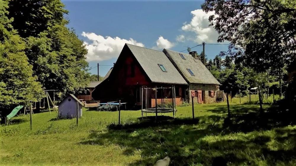 Location vacances Laqueuille -  Maison - 14 personnes - Barbecue - Photo N° 1