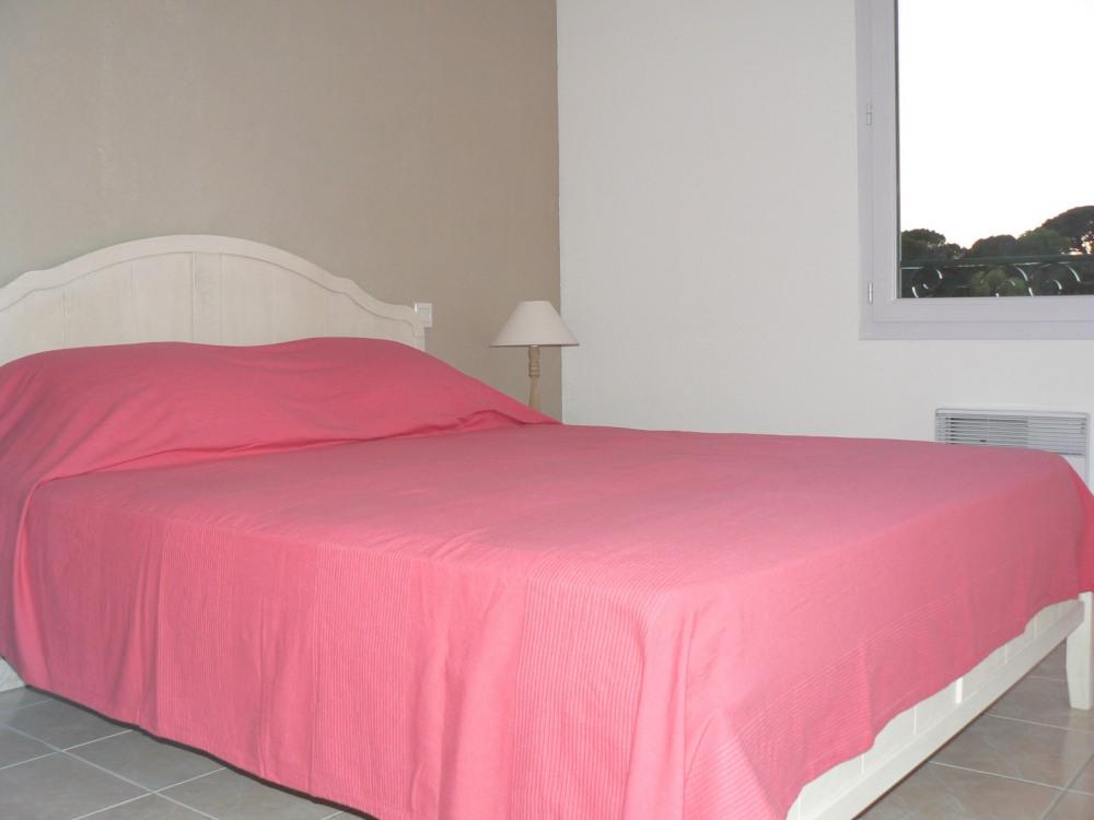 Chambre 2 ( 1 lit 160x200)