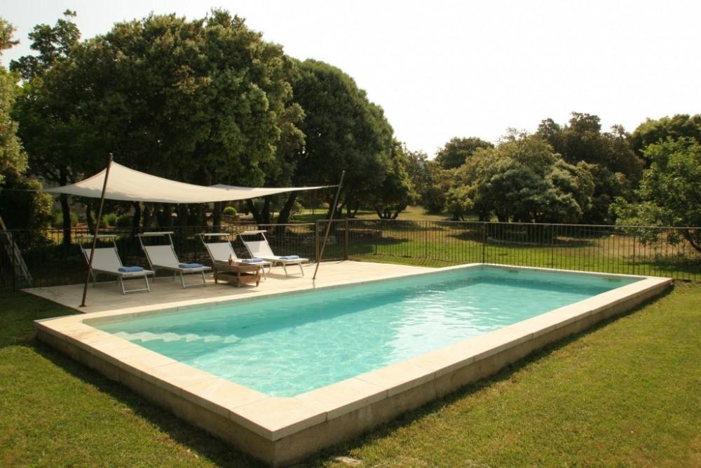 Mas Augusta, piscine 4m X 10 m,protégée
