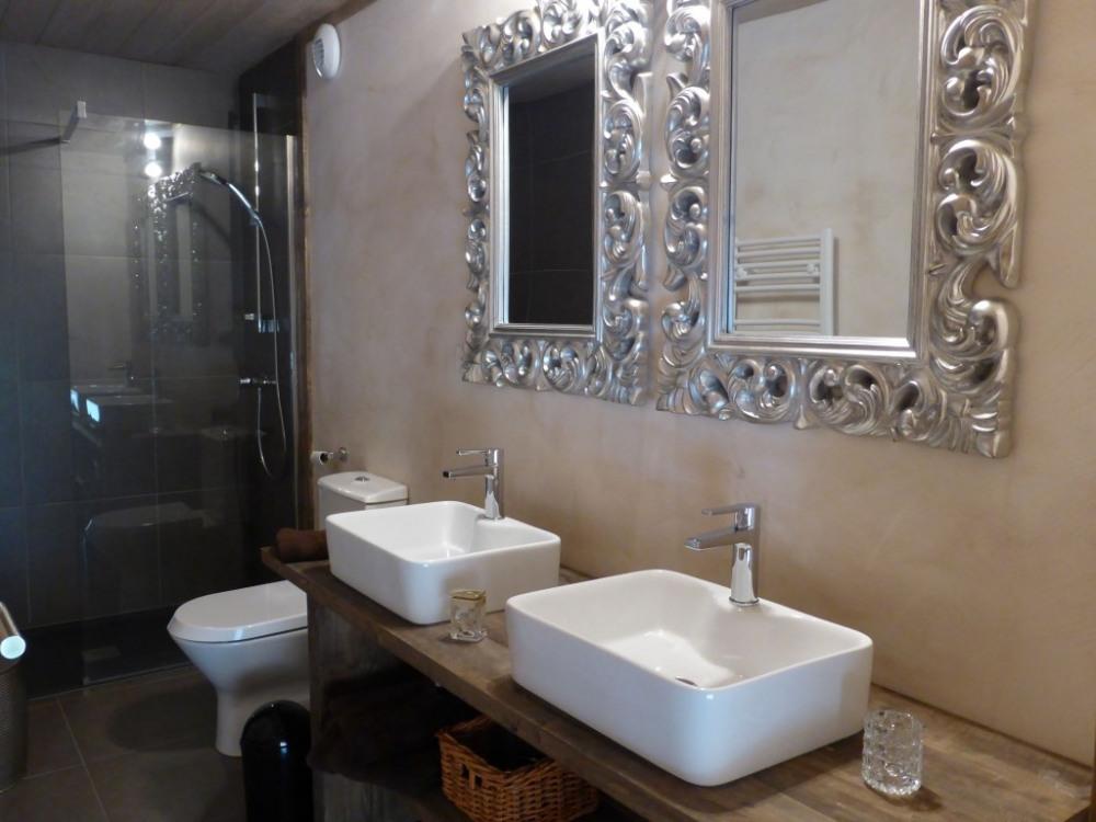 Salle de Douche avec WC