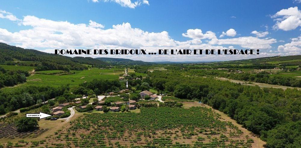 Le village de Gîtes Domaine des Bridoux : des vacances en Drôme Provençale