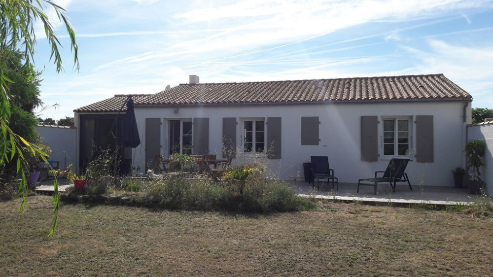 """Maison Ste Marie de Ré """"Les Grenettes"""" à 100m de la mer - Entre vignes et plage - accès spot de surf/SUP"""