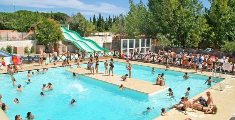 Flower Camping Le Fréjus - Mobilhome THAIS Confort + 31m² (3 chambres) + terrasse + TV + lave-vai...