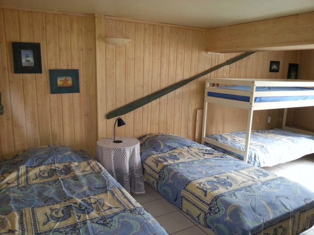 Chambre 2 RDC 2 lits 90cm