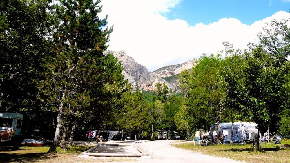 CAMPING SAINT CLAIR, 93 emplacements, 12 locatifs