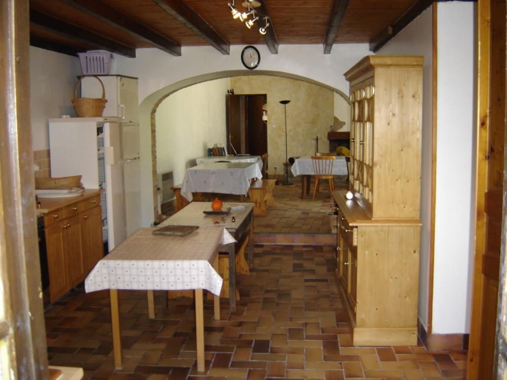 cuisine et  salle de séjour dans l'enfilade