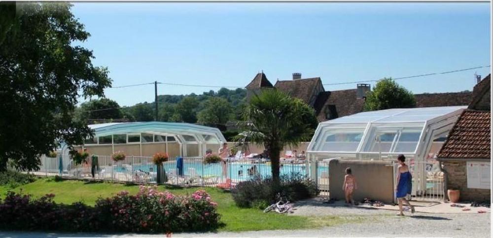Le Camping Sites et Paysages Le Ventoulou, 4 étoiles est labellisé « Camping Qualité ».