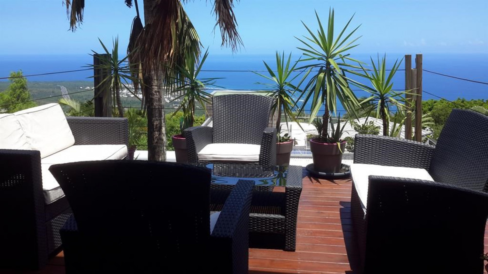 Location vacances Les Avirons -  Maison - 8 personnes - Barbecue - Photo N° 1