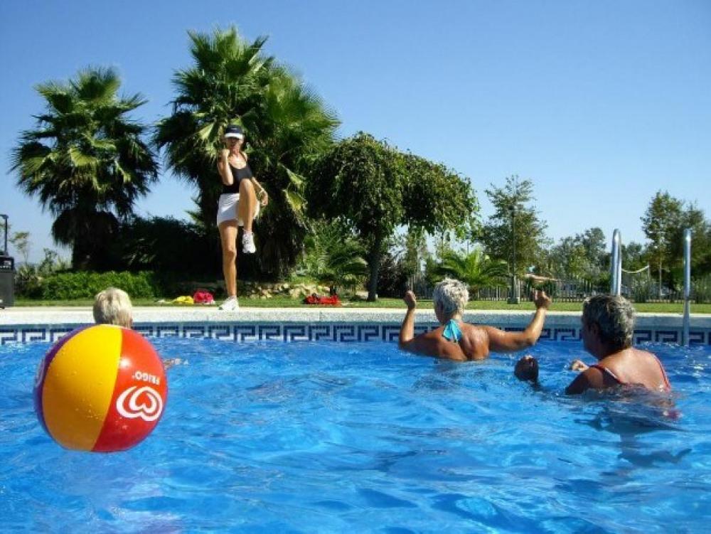 Camping La Tordera - Corriol Camanegre (2 adultes + 2 enfant)