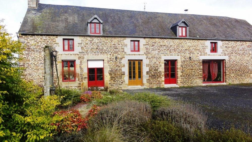 Entre Normandie et Bretagne, cette vaste maison familiale sera le point d'ancrage idéal pour déco...