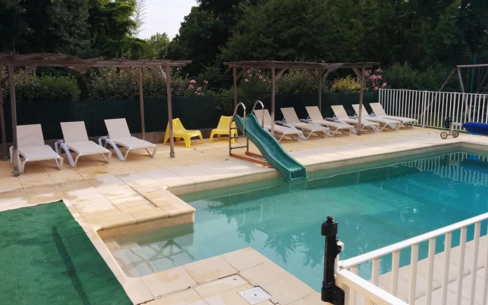nouvelles chaises longues à l'ombre ou au soleil
