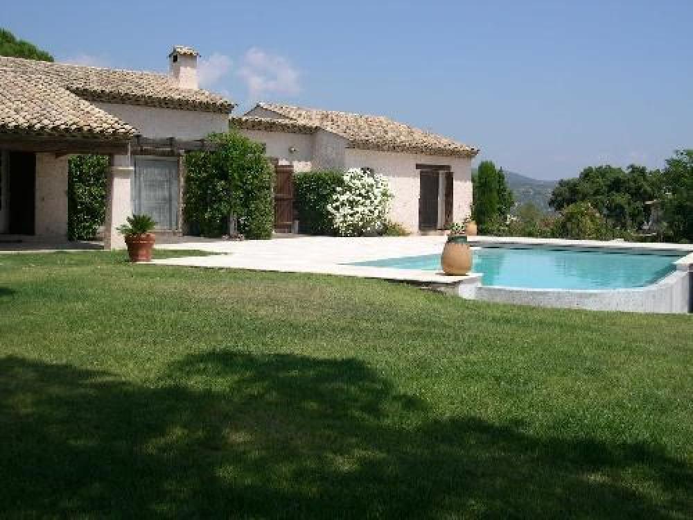 Maison de plain-pied avec vue mer et piscine accès aux plages de Saint-Maxime à pieds F223