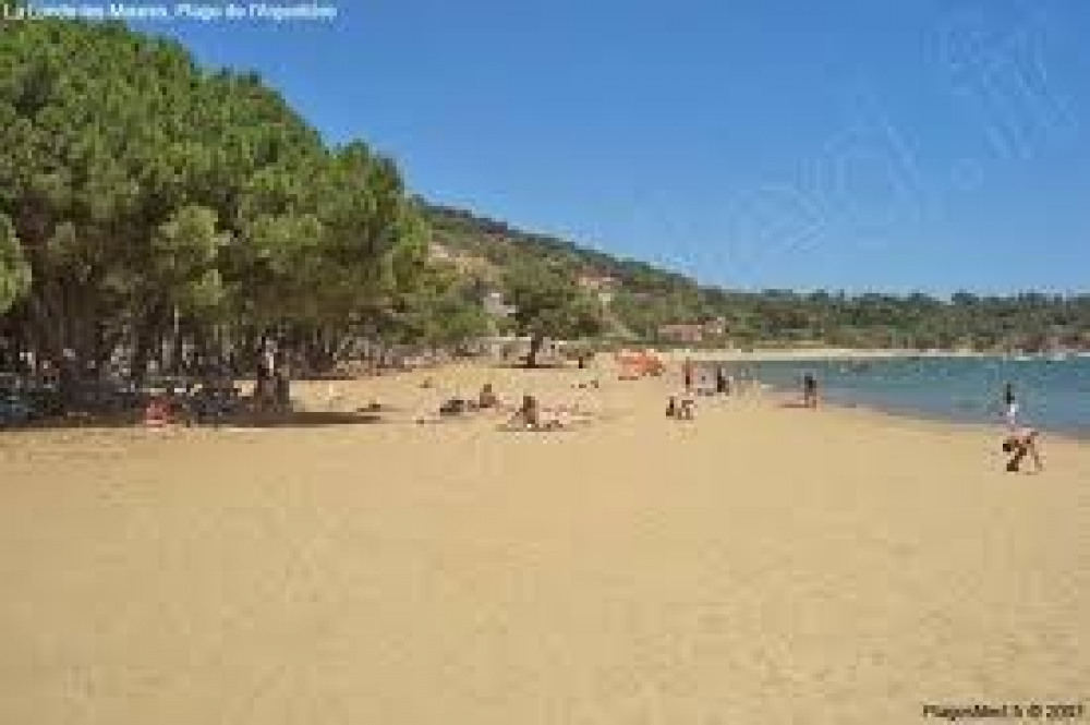 Sans route a traverser pour accéder a cette belle plage de sable fin
