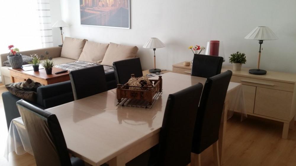 Salon / Salle-à-manger - Table 8 personnes