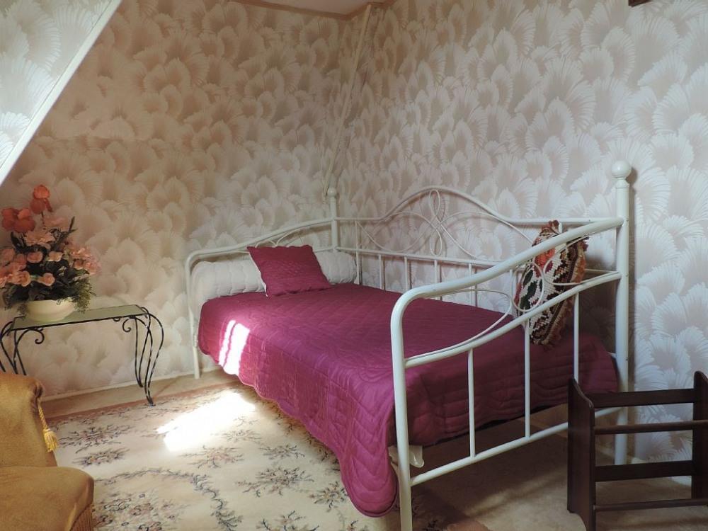 Gite des Puys chambre 2ème étage 1 p