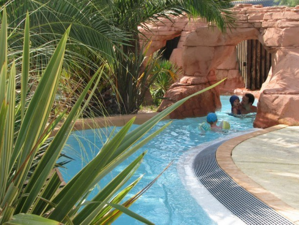 Camping Les Palmiers - Mh COLORADO  2ch 6pers Clim + Terrasse Semi-Couverte