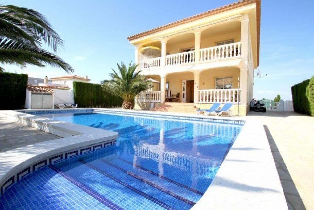 B26 CORONA villa con piscina privada y jardín