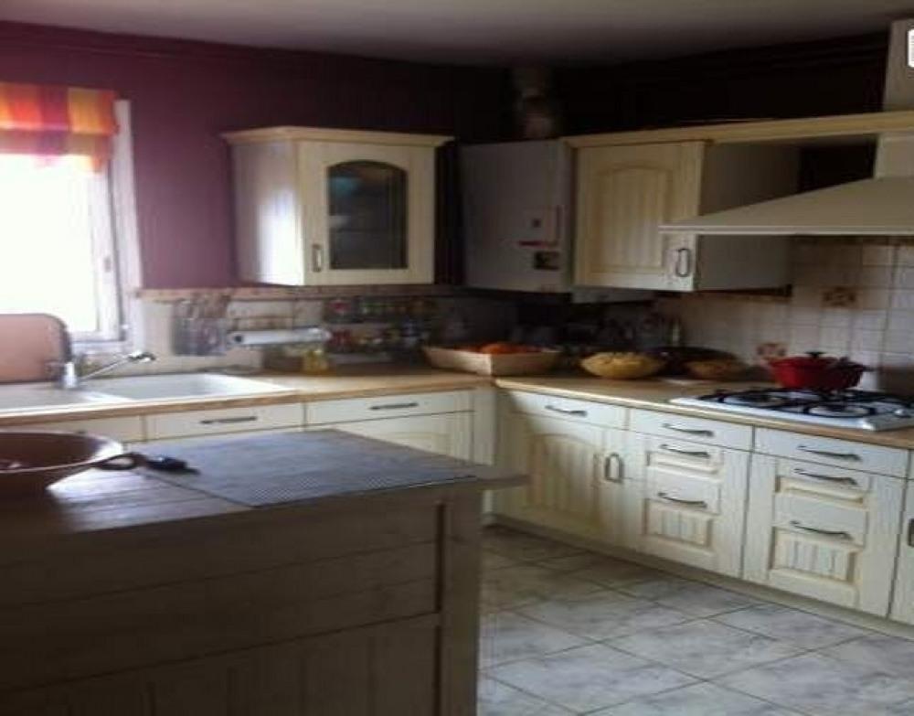Maison villemoustaussou pour 6 personnes 90686490 for Tarif cuisine equipee