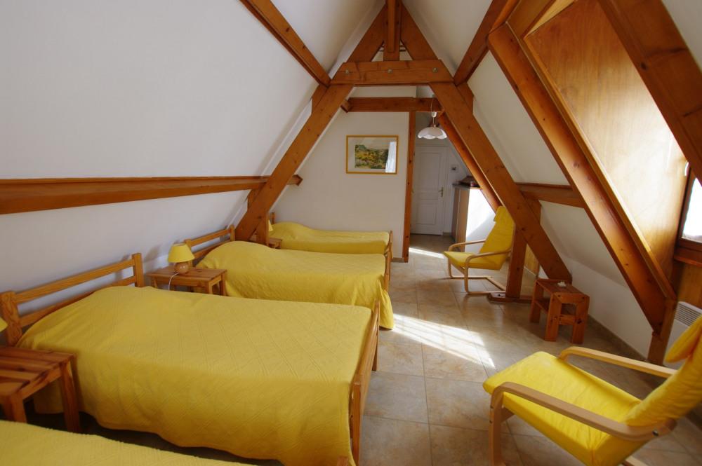 Chambre 2 étage 4 lits de 90