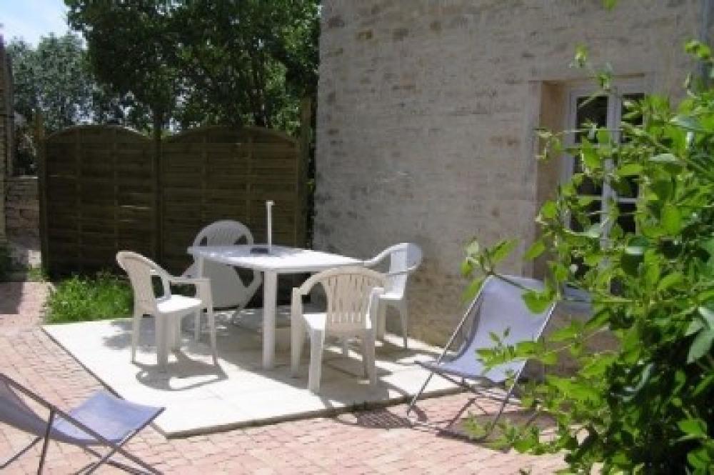 Petite maison calme et confortable proche nature - Lantenay