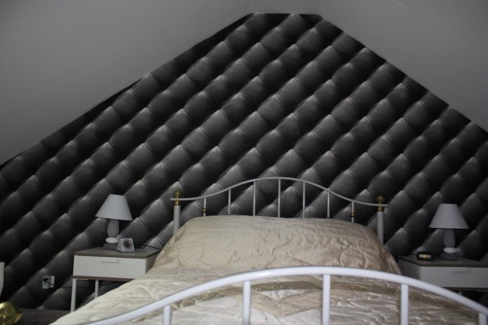 Chambre 1 étage lit 140 x 190