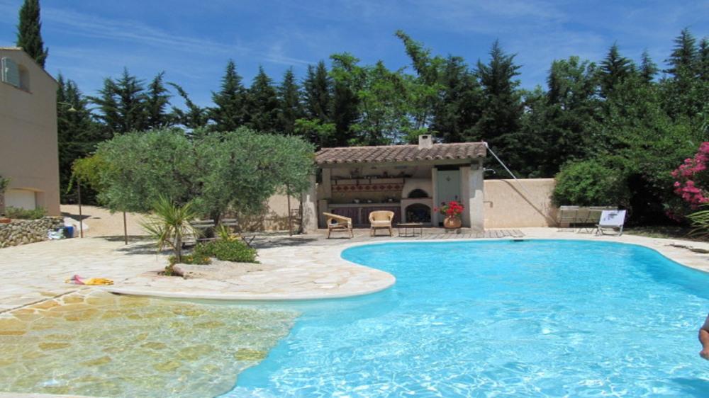 Location vacances Le Castellet -  Maison - 7 personnes - Barbecue - Photo N° 1