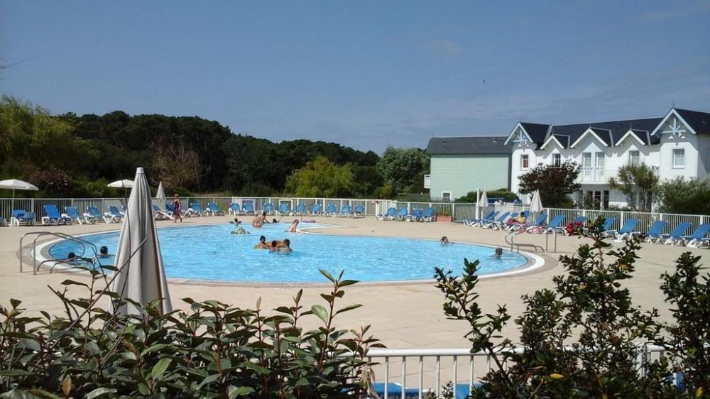 piscine de la résidence (ouverte du 15/06 au 15/09)
