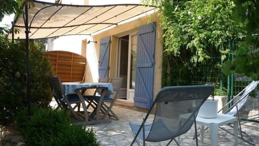 Location vacances Saint-Cyr-sur-Mer -  Appartement - 4 personnes - Barbecue - Photo N° 1