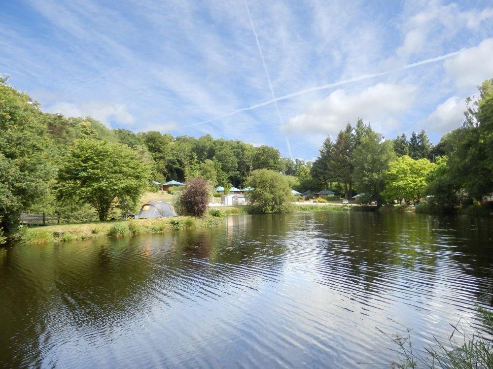 Vallon de Kerlenn Camping Nature, 6 emplacements, 14 locatifs