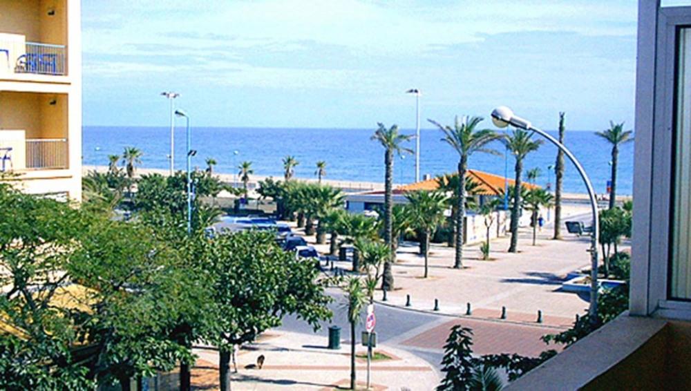 Location vacances Saint-Cyprien -  Appartement - 4 personnes - Court de tennis - Photo N° 1