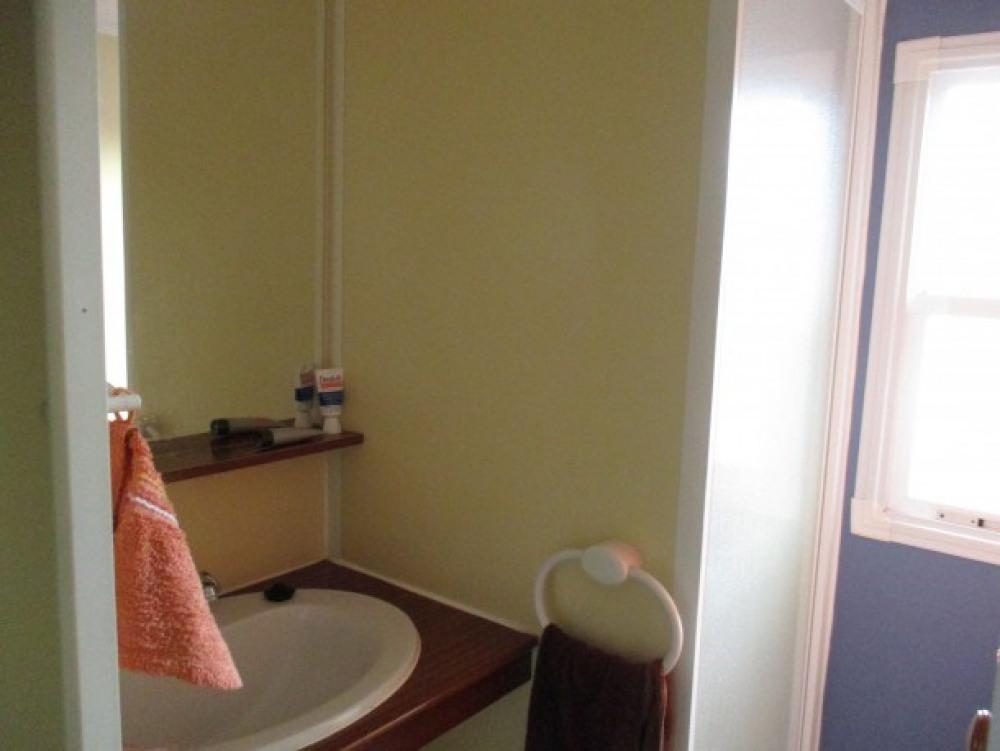 la salle de bain et sa cabine de douche