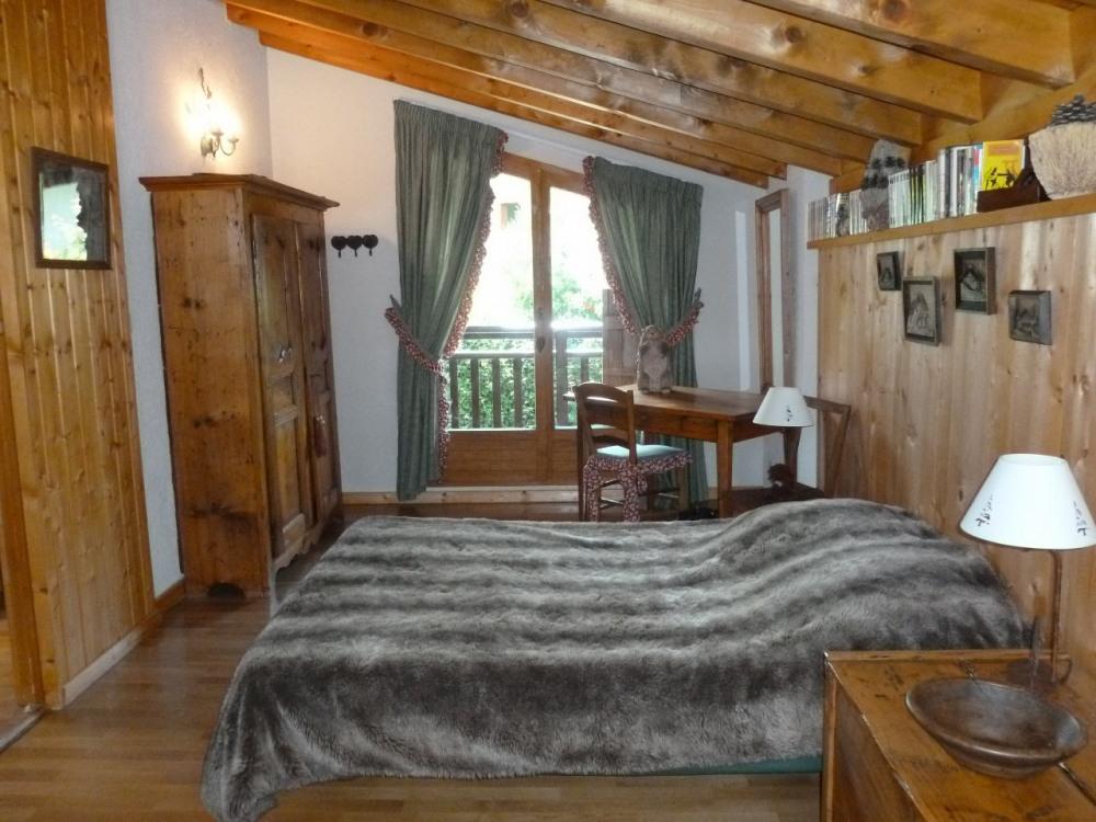 chambre étage, lit en 140cm
