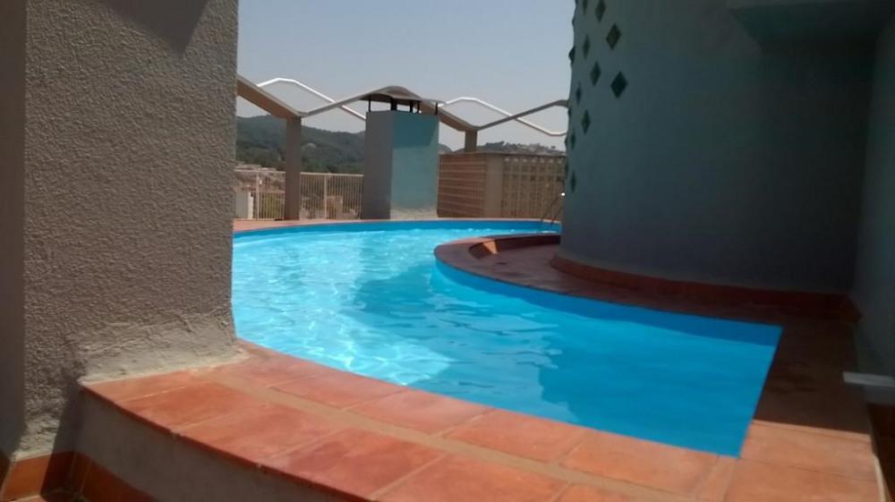 Piscine sur toiture-terrasse