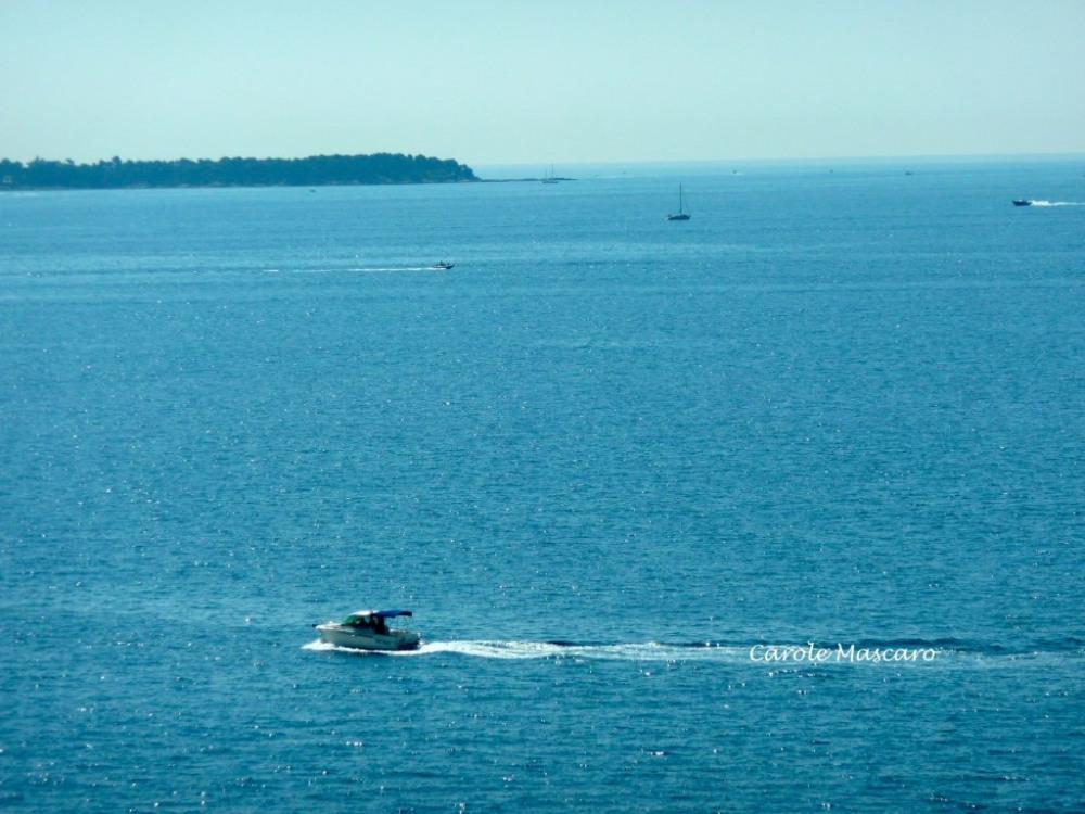 """Que du bleu à l'horizon, on respire tous le bonheur """"ici""""..."""