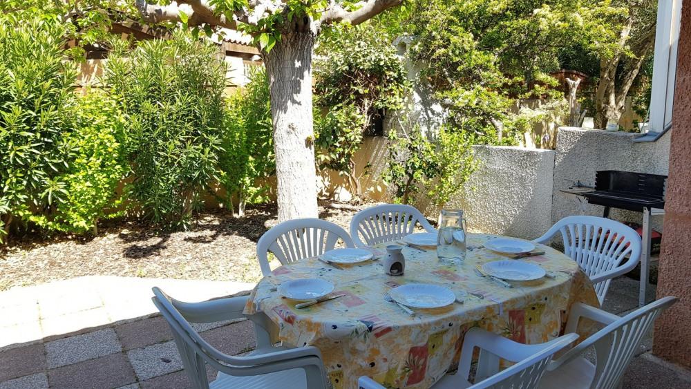 Location vacances Narbonne -  Appartement - 7 personnes - Aspirateur - Photo N° 1