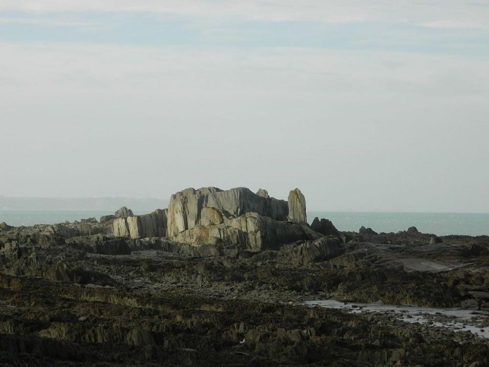 le rocher du chateau à la basse mer