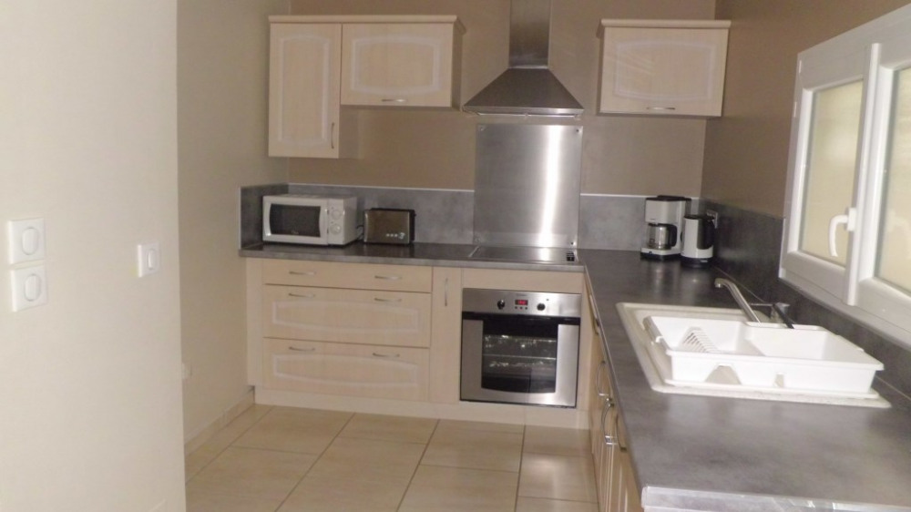 Maison urrugne pour 6 personnes 60m2 90598130 for Tarif cuisine amenagee