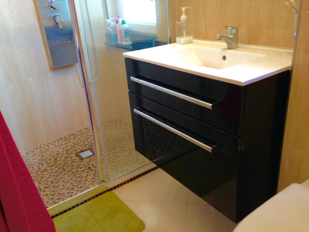 salle d'eau grande douche 1 WC
