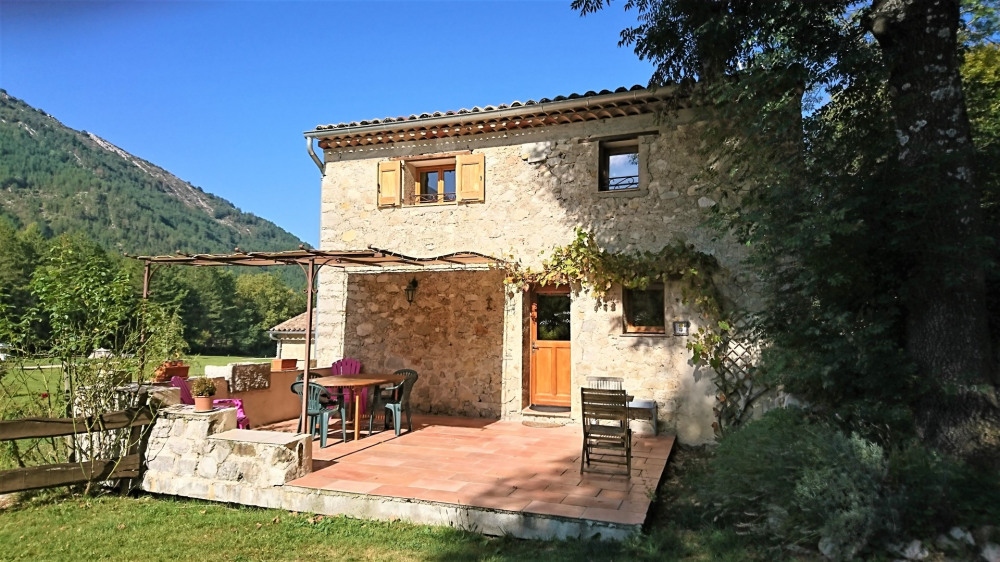 Location vacances Castellane -  Gite - 4 personnes - Barbecue - Photo N° 1