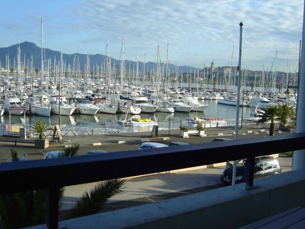 vue sur le port et Fontarrabie depuis l'appartement