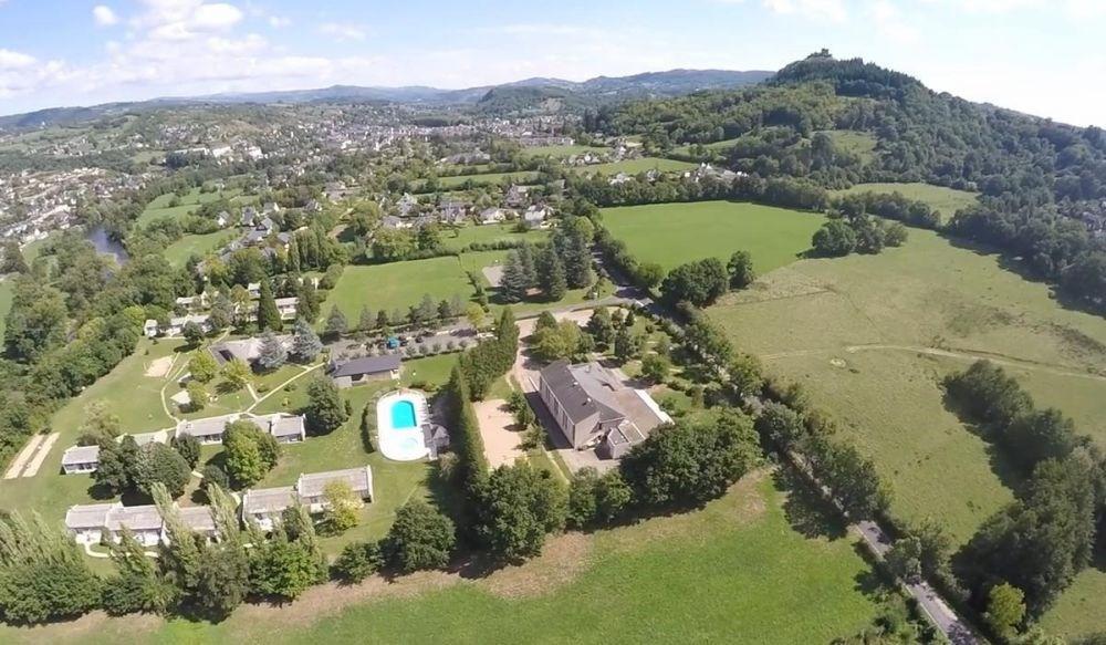 Village de Vacances Aux Portes des Monts d'Aubrac, 42 locatifs