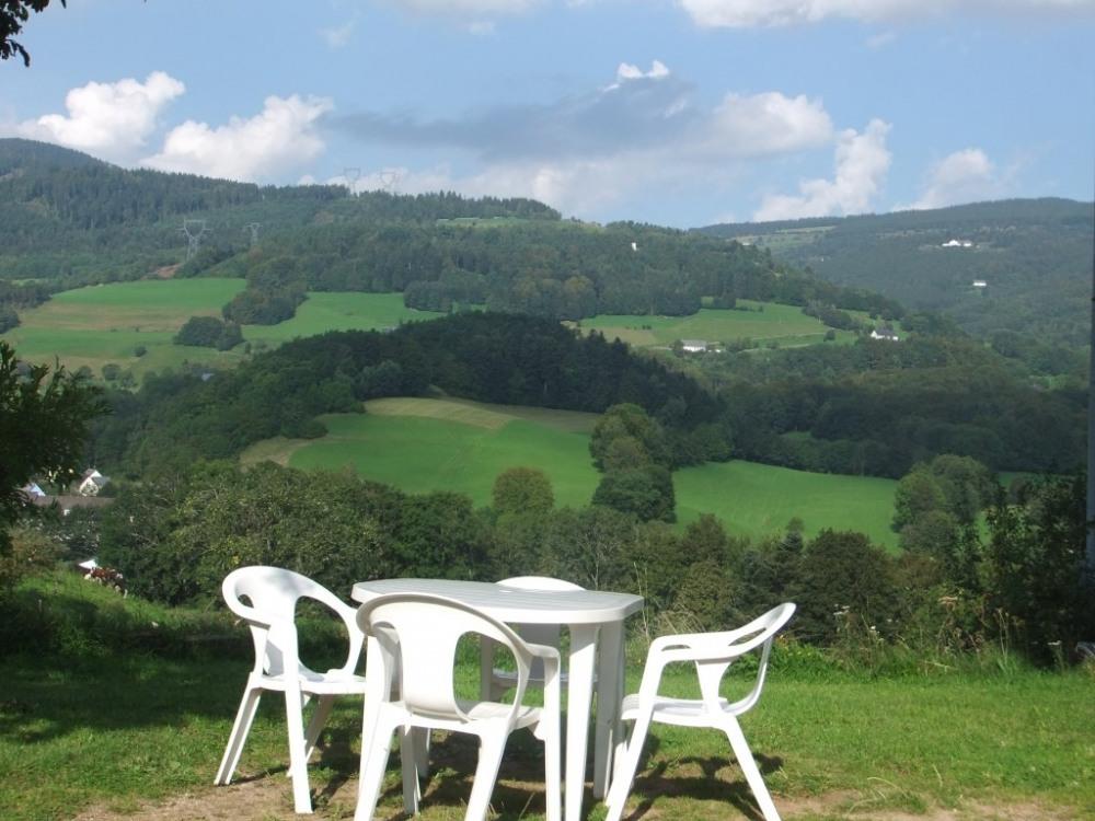 Espace extérieure avec vue sur la vallée
