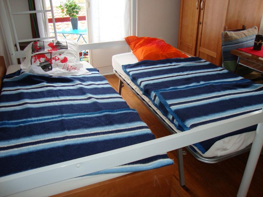 canapé formé de 2 lits 90cm yrés confortable