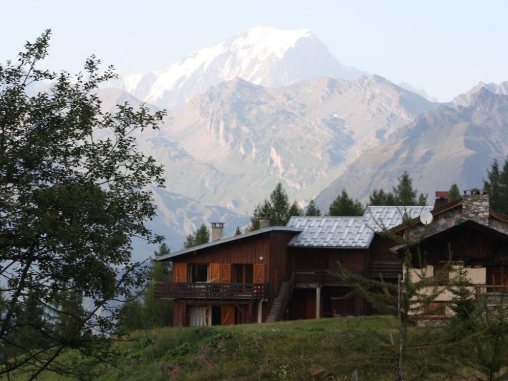 Extérieur du chalet avec vue sur Mt Blanc