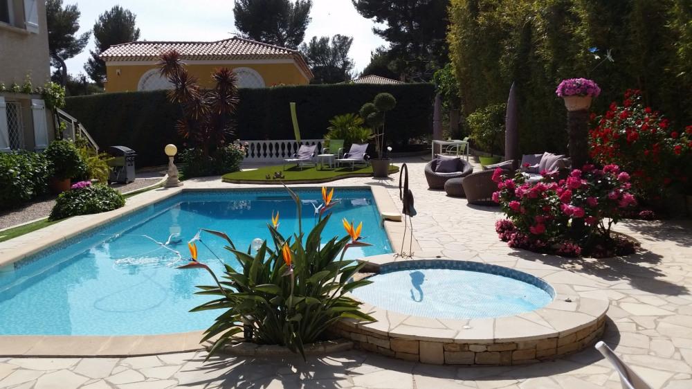 Studio 36m2 dans villa de charme avec piscine à proximité de la plage